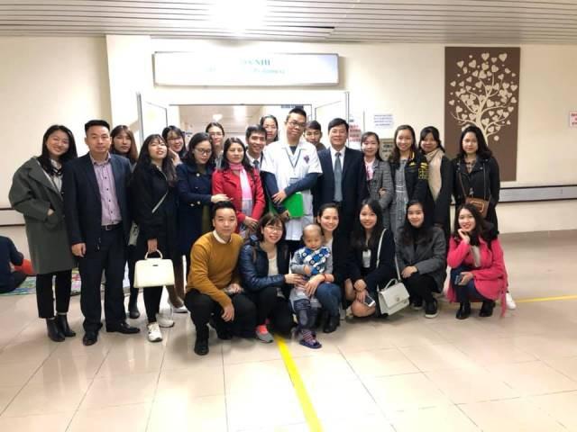 Trong những năm qua, Đoàn thanh niên Đoàn luật sư thành phố Hà Nội thường xuyên tổ chức kêu gọi quyên góp ủng hộ cho các cháu bé đang điều trị căn bệnh ung thư tại khoa Nhi - Bệnh viện K Hà Nội cơ sở Tân Triều, bệnh nhân chạy thận nhân tạo tại Bệnh viện Bạch Mai và đã nhận được sự đóng góp, ủng hộ nhiệt tình của các tổ chức, cá nhân.