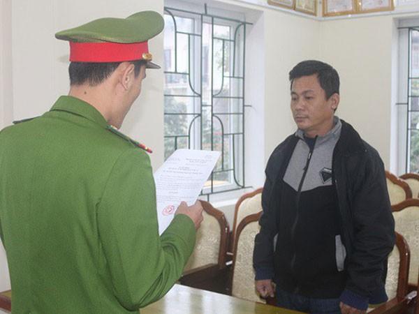 Cơ quan CSĐT đọc lệnh khởi tố, bắt tạm giam Nguyễn Duy Nhật - Ảnh công an cung cấp