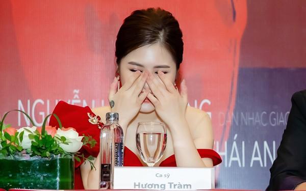 Hương Tràm xúc động khi nhắc lại chuyện với ca sĩ Thu Minh.