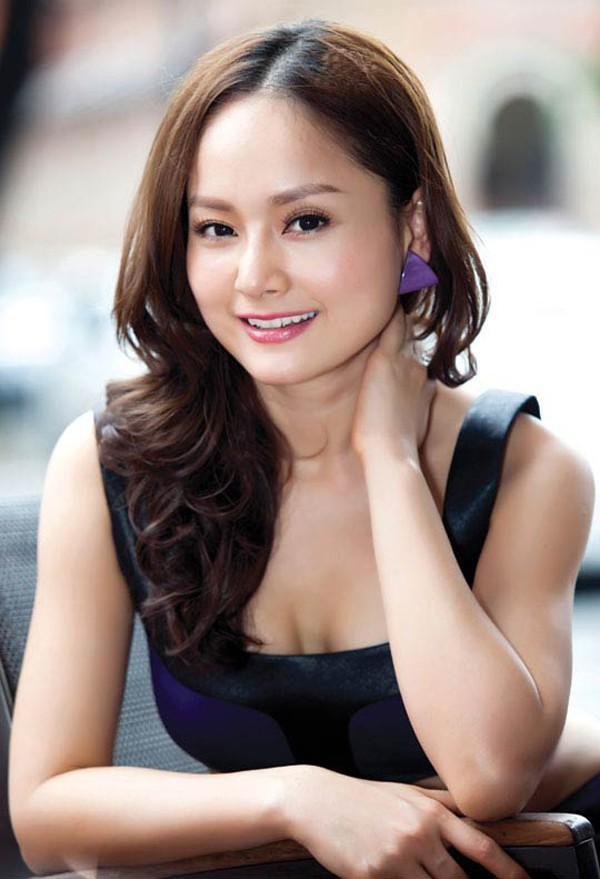 Lan Phương là nghệ sĩ chăm chỉ làm việc nhất trong làng giải trí Việt. Trung bình mỗi năm cô tham gia một phim và rất nhiều vở kịch.