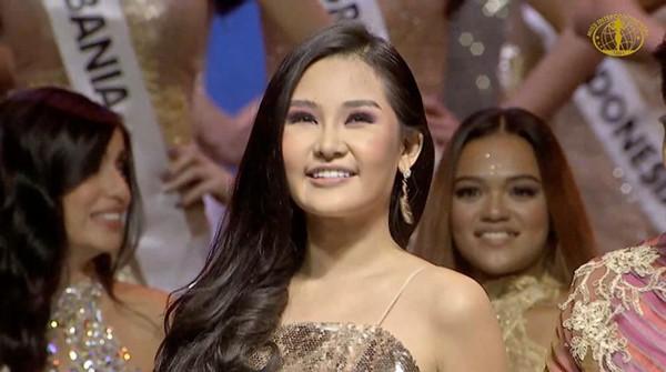 Lê Âu Ngân Anh hạnh phúc trong khoảnh khắc được xướng tên vào vị trí Á hậu 4 cuộc thi Hoa hậu Liên lục địa.