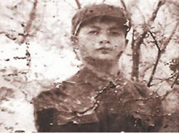 Đặng Hưng Thiện bị tình nghi là kẻ thủ ác, đã giết hại cô gái có tên Thi Tiêu Vinh vào tháng 4/1987
