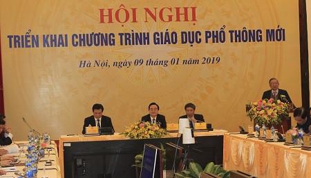 Tại hội nghị triển khai chương trình giáo dục phổ thông mới do Bộ GD&ĐT tổ chức. Ảnh: Q.A