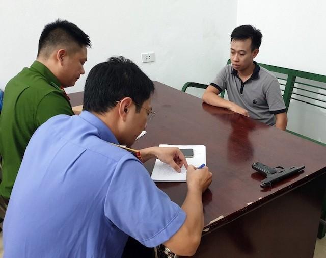 Lý lịch bất hảo của đối tượng nổ súng cướp tiệm vàng ở Quảng Ninh - Ảnh 5.