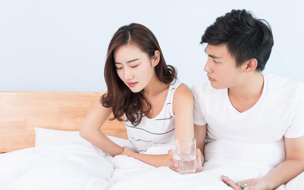 Thách thức chồng ly hôn nhưng khi nhìn anh nhẹ nhàng kí đơn, tôi hốt hoảng lăn ra ngất xỉu - Ảnh 2.