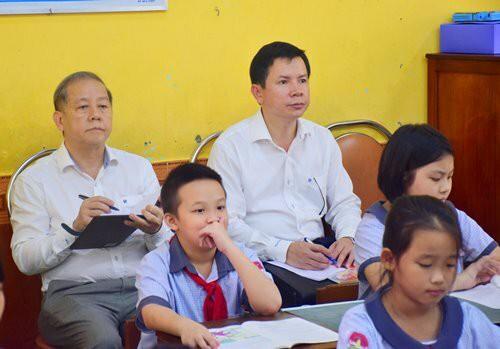 Chủ tịch tỉnh dự giờ lớp học  - Ảnh 1.