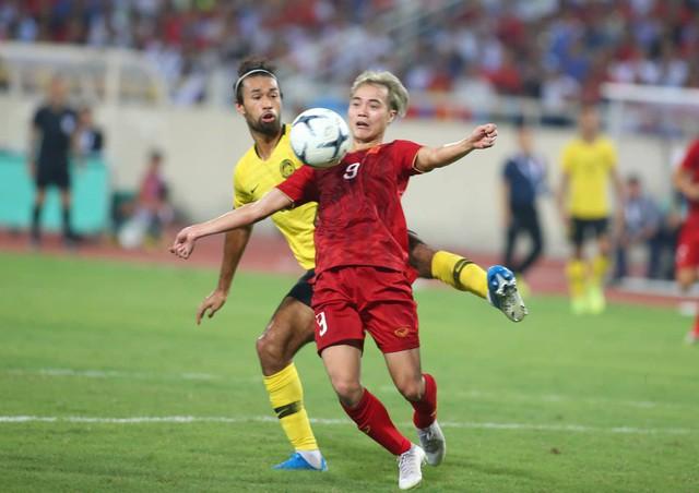 Việt Nam 1-0 Malaysia: Quang Hải ghi bàn đẳng cấp - Ảnh 2.