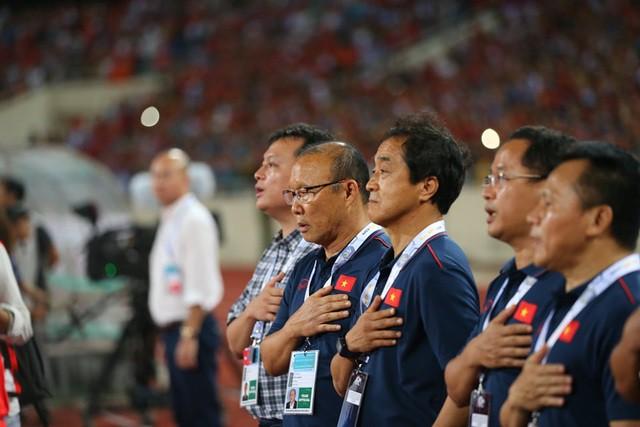 Việt Nam 1-0 Malaysia: Quang Hải ghi bàn đẳng cấp - Ảnh 19.