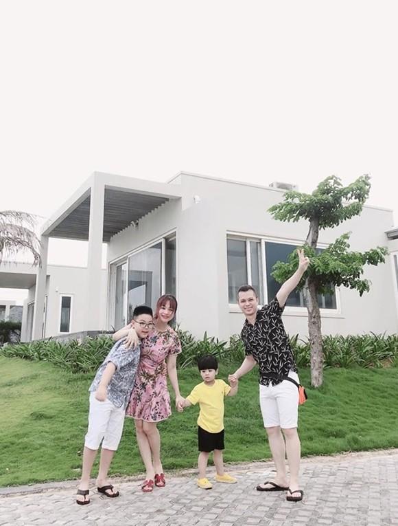 Cuộc sống của Nam Khánh AC&M - Ảnh 3.