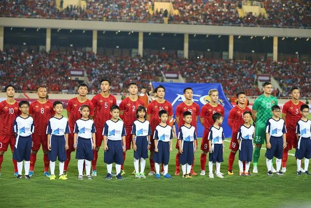 Việt Nam 1-0 Malaysia: Quang Hải ghi bàn đẳng cấp - Ảnh 21.
