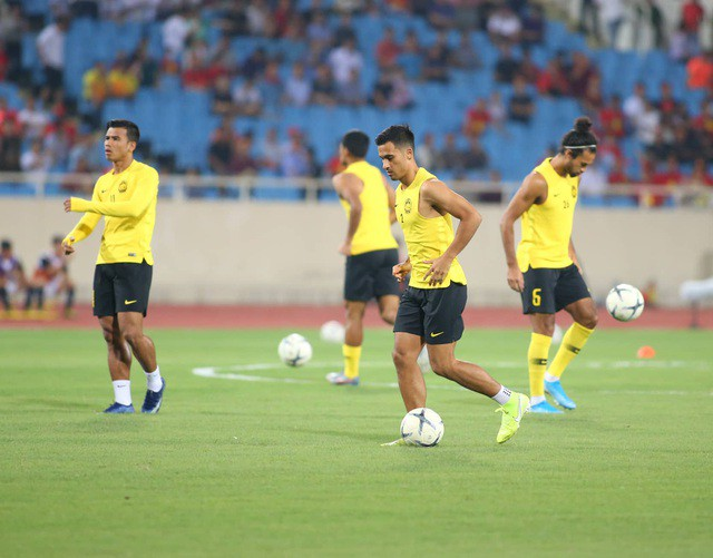 Việt Nam 1-0 Malaysia: Quang Hải ghi bàn đẳng cấp - Ảnh 25.