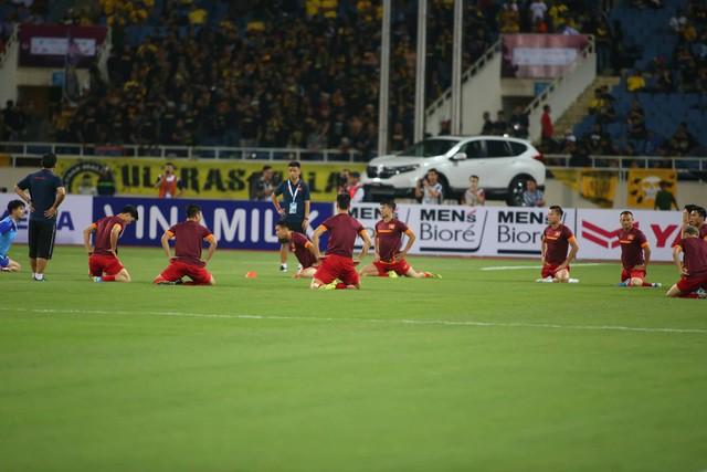 Việt Nam 1-0 Malaysia: Quang Hải ghi bàn đẳng cấp - Ảnh 28.