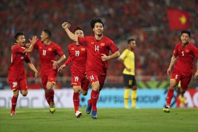 Việt Nam 1-0 Malaysia: Quang Hải ghi bàn đẳng cấp - Ảnh 39.