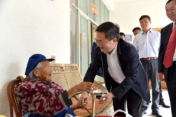 Cụ bà 107 tuổi, chỉ phải đi viện 2 lần trong đời tiết lộ bí quyết sống khỏe nhờ ăn loại quả này mỗi ngày - Ảnh 6.