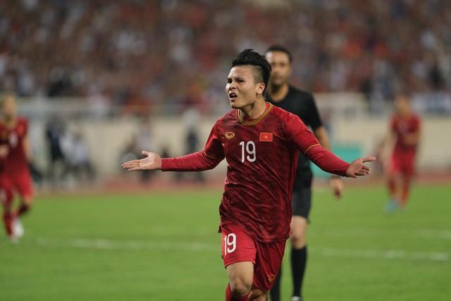 Việt Nam 1-0 Malaysia: Quang Hải ghi bàn đẳng cấp - Ảnh 8.