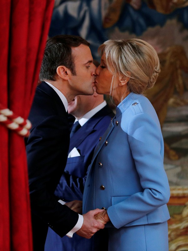 Lấy chồng trẻ tuổi quyền lực, đệ nhất phu nhân Tổng thống Pháp quyết chơi lớn đầu tư nhan sắc nhưng vẫn bị dìm hàng - Ảnh 3.