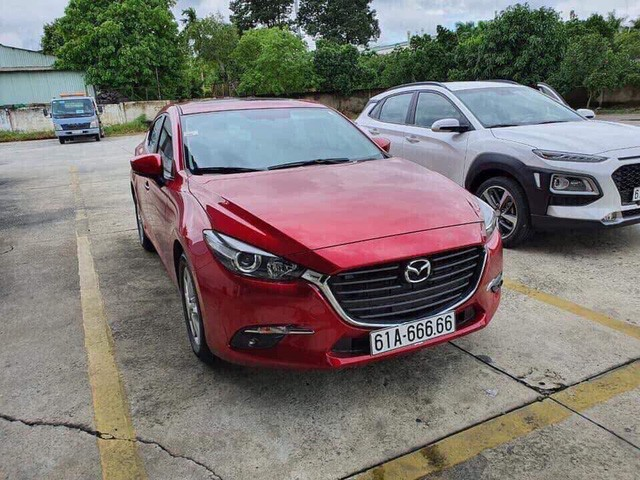 Vừa mua Mazda3 biển đẹp giá 2 tỷ, chủ mới bán lại giá 2,88 tỷ đồng, tặng kèm Honda Vision biển ngũ quý 8 - Ảnh 1.