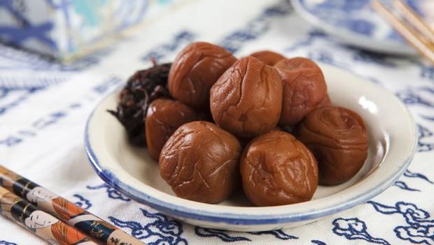 Lá hồi sinh bán đầy chợ Việt 1-2 ngàn/mớ, ở Nhật phải mua ăn từng lá một - Ảnh 6.