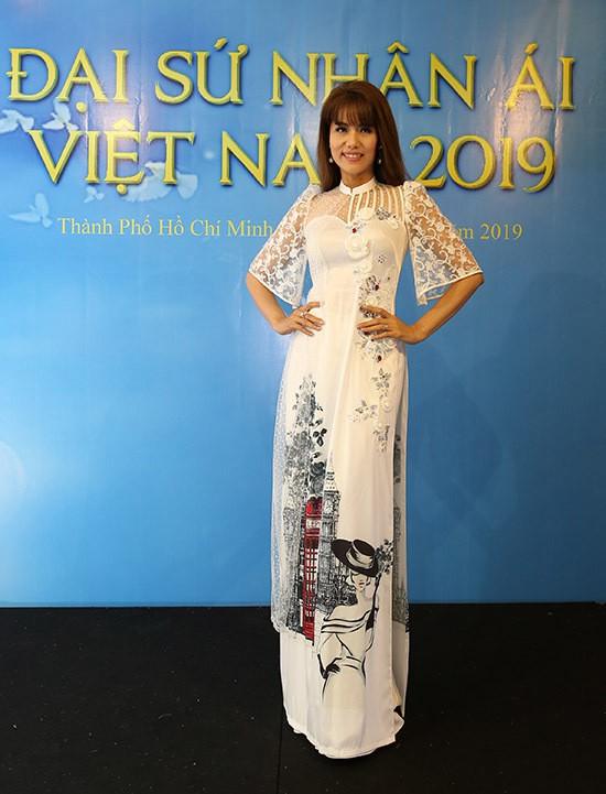 Lâm Khánh Chi thay 3 trang phục trong sự kiện - Ảnh 9.