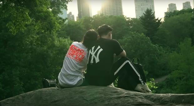 Đến bây giờ câu chuyện đằng sau màn cầu hôn huyền thoại ở New York của Ông Cao Thắng và Đông Nhi mới được hé lộ qua vlog du lịch của 1 người bạn đi cùng - Ảnh 21.
