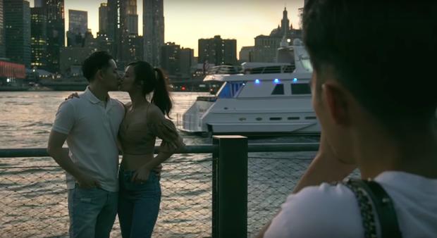 Đến bây giờ câu chuyện đằng sau màn cầu hôn huyền thoại ở New York của Ông Cao Thắng và Đông Nhi mới được hé lộ qua vlog du lịch của 1 người bạn đi cùng - Ảnh 10.