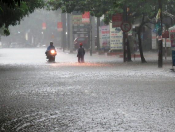 Chùm ảnh trận lụt lịch sử tại TP Vinh - Ảnh 8.