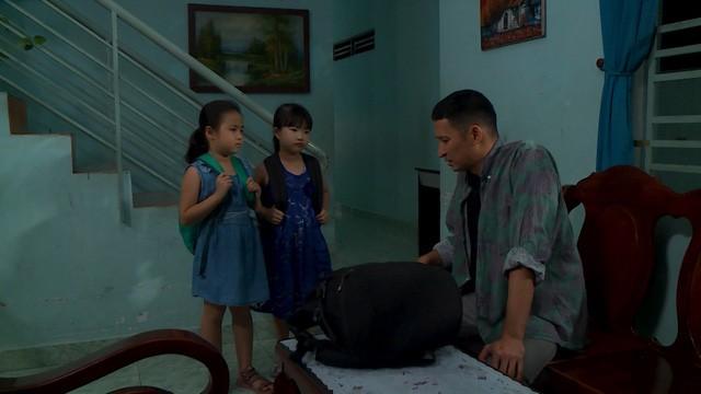 Huy Khánh trở thành bảo mẫu bất đắc dĩ trong Nuôi nhầm sao nhí - Ảnh 3.