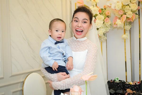 Chồng sắp cưới hơn 8 tuổi của Giang Hồng Ngọc là người thế nào? - Ảnh 3.