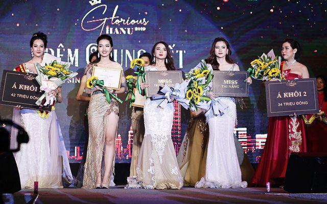 Nữ sinh năm thứ nhất đăng quang Hoa khôi ĐH Hà Nội 2019  - Ảnh 2.