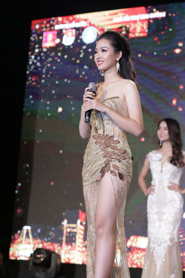 Nữ sinh năm thứ nhất đăng quang Hoa khôi ĐH Hà Nội 2019  - Ảnh 7.