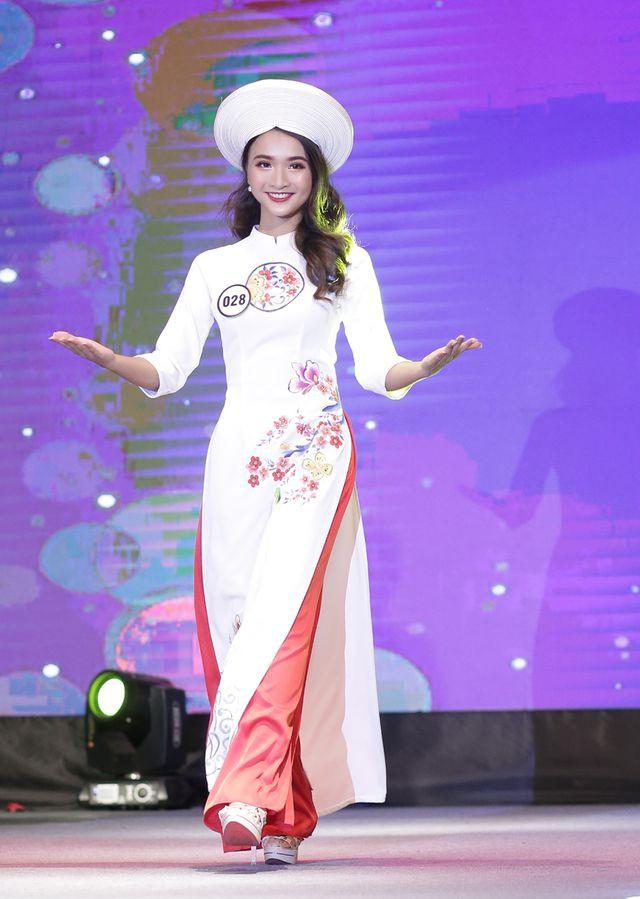 Nữ sinh năm thứ nhất đăng quang Hoa khôi ĐH Hà Nội 2019  - Ảnh 10.