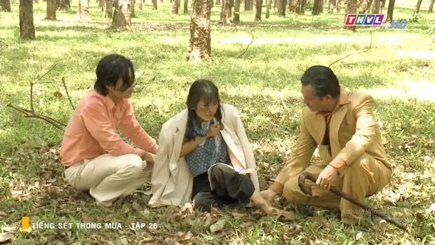 Tiếng sét trong mưa tập 26: Cậu Ba Duy gây sốc khi bỏ mặc con riêng của vợ cũ bị cưỡng hiếp vì coi như chuyện thường tình! - Ảnh 2.