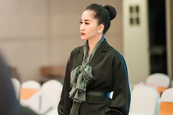 Vợ chồng Khánh Thi - Phan Hiển stress nặng vì không có thời gian chăm 2 con nhỏ - Ảnh 1.