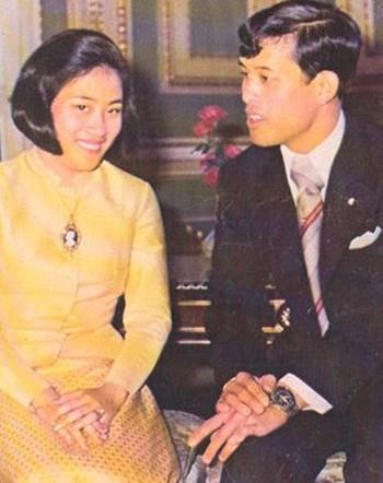 Những sóng gió hậu cung hoàng gia Thái Lan - Ảnh 2.