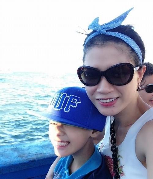 Hành trình Trang Trần 10 năm làm mẹ cậu bé khuyết tật - Ảnh 9.