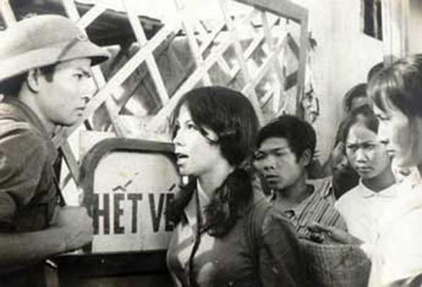 NSƯT Thanh Quý Hoa hồng trên ngực trái: Bà mẹ chồng ghê gớm nhất màn ảnh Việt - Ảnh 2.