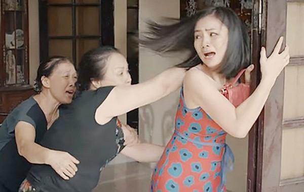 NSƯT Thanh Quý Hoa hồng trên ngực trái: Bà mẹ chồng ghê gớm nhất màn ảnh Việt - Ảnh 1.