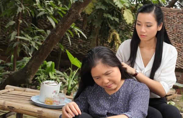 Lương Giang Hoa hồng trên ngực trái: Cô vợ cắm sừng chồng trên phim và hạnh phúc của người đàn bà biết đủ - Ảnh 3.
