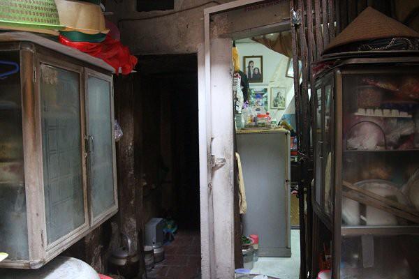 Nhà phố cổ chật chội, con trai lấy vợ mới, con dâu ở lại ngủ với mẹ chồng 20 năm - Ảnh 5.
