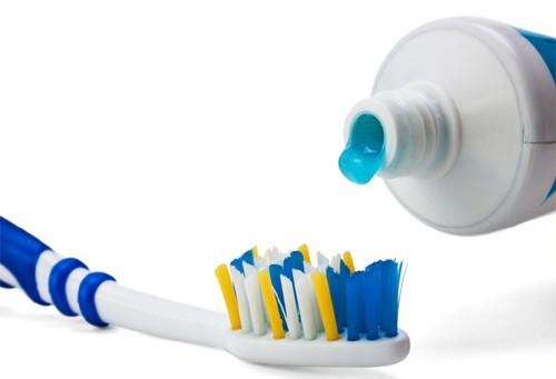 Cách sử dụng bàn chải đánh răng cực kì sai lầm nhiều người  mắc mà không hề hay biết - Ảnh 7.