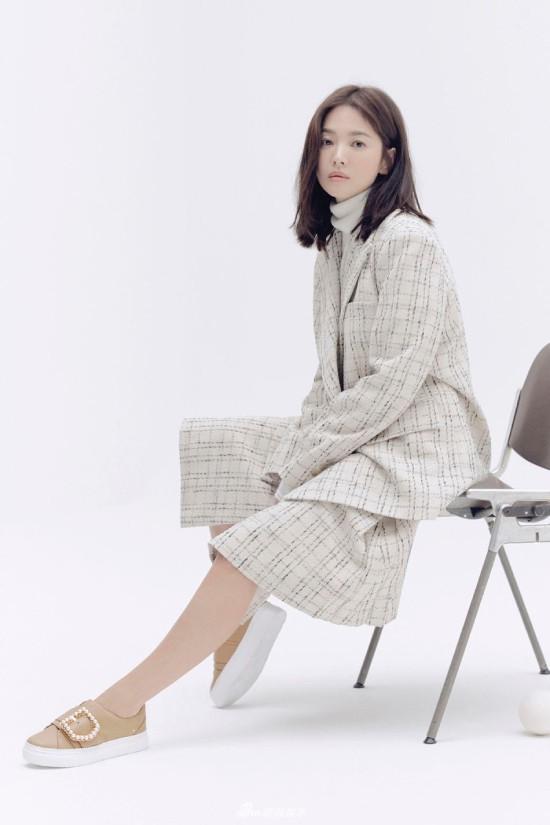 Song Hye Kyo kín cổng cao tường sau sự nói dối - Ảnh 8.
