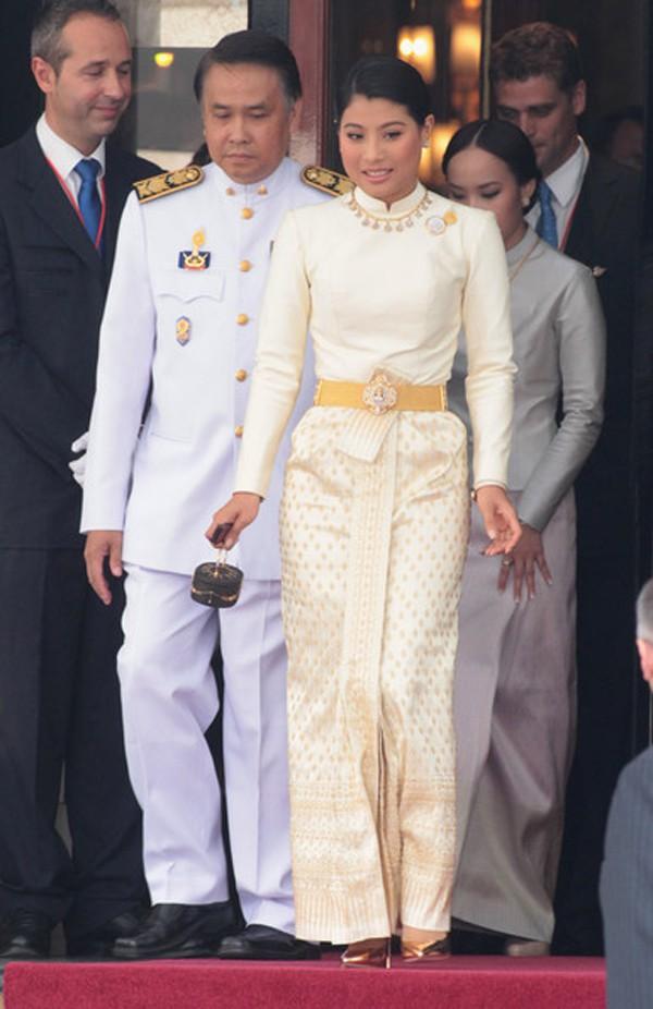Công chúa có thân phận ly kỳ được Nhà vua Thái Lan yêu chiều hết lòng là ai? - Ảnh 3.