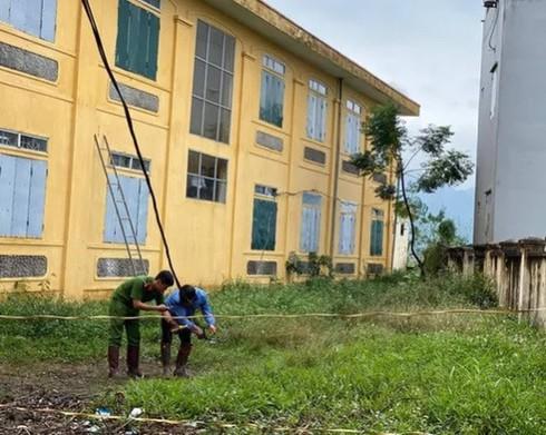 Phụ huynh lo lắng sau vụ việc học sinh lớp 2 ở Hà Nội bị điện giật tử vong - Ảnh 1.