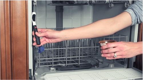Vệ sinh máy rửa bát đúng cách - Ảnh 2.