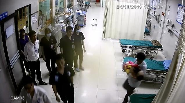 Tuyên Quang: Bé trai 4 tuổi tử vong sau khi ngã vào bể phốt - Ảnh 2.