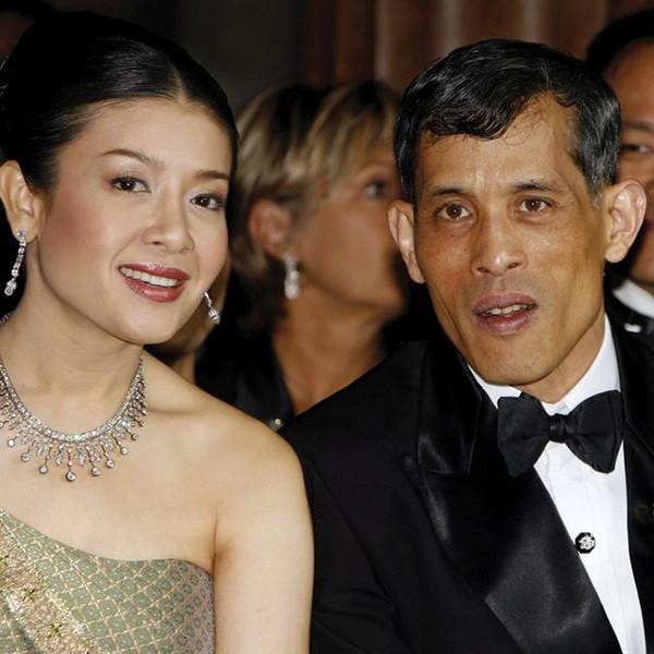 Chuyện ít biết về 3 người vợ cũ của nhà vua Thái Lan vừa phế truất Hoàng quý phi trẻ đẹp - Ảnh 4.
