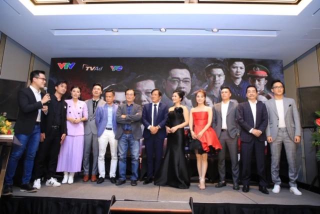 NSND Khải Hưng khen Việt Anh giỏi nghề nhưng phản đối chuyện thẩm mỹ khi đang quay phim - Ảnh 1.