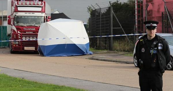 Vụ 39 người chết trong container: Thêm 2 người bị bắt - Ảnh 1.