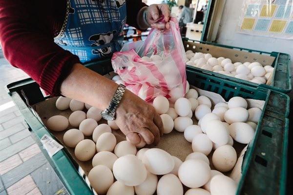 Không rửa tay sau khi sờ vào trứng, người phụ nữ bị hoại tử 90% ruột - Ảnh 3.