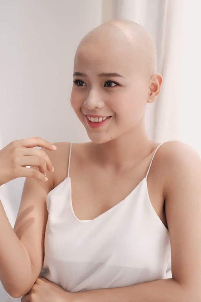 Cuộc chiến giành sự sống của cô gái Hải Phòng cạo trọc đầu vì bị ung thư vú - Ảnh 1.